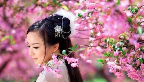 天下 天下大旱,苏轼求雨引得少女围观,随口作词便是千古名作