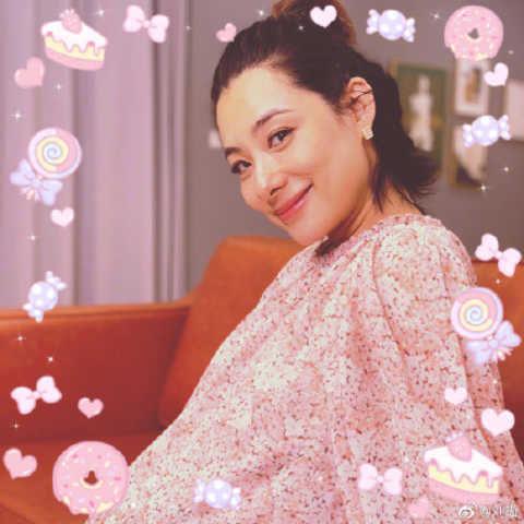 『刘璇』40岁刘璇晒大肚照,宣布自己即将生产,为生二胎吃了太多苦